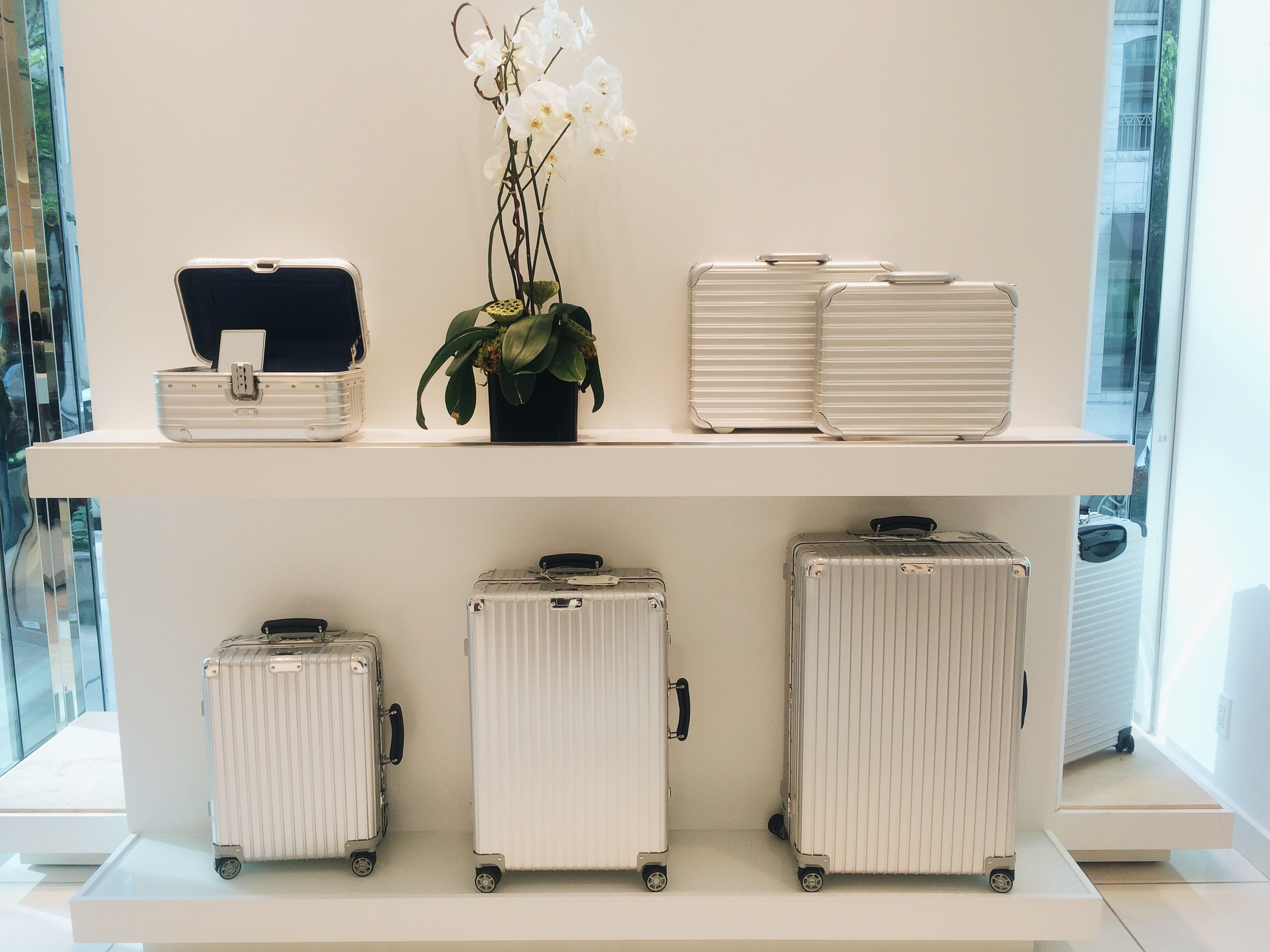 how to clean your rimowa case take me everywhere. Black Bedroom Furniture Sets. Home Design Ideas